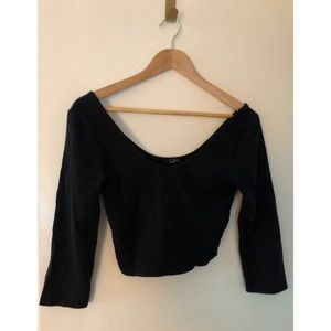 ARITZIA | Talula Crop Top with 3/4 Length Sleeves